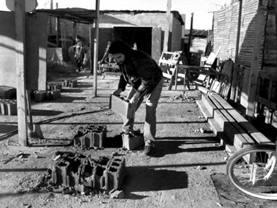 Foto tomada por Sebastian Hacher en el obrador del MTD donde trabajaba Darío Santillan.