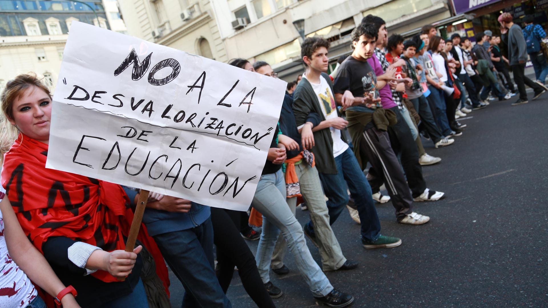EscuelasTomadas_GESUALDI004_IZQ930