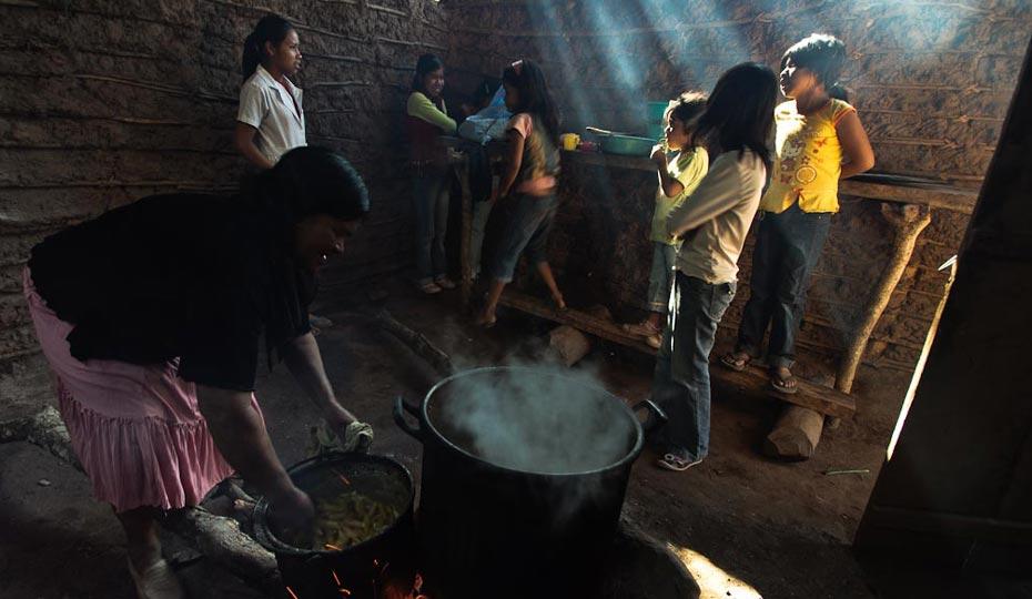 MujeresGuaraniesEstellanos_01_IZQ930