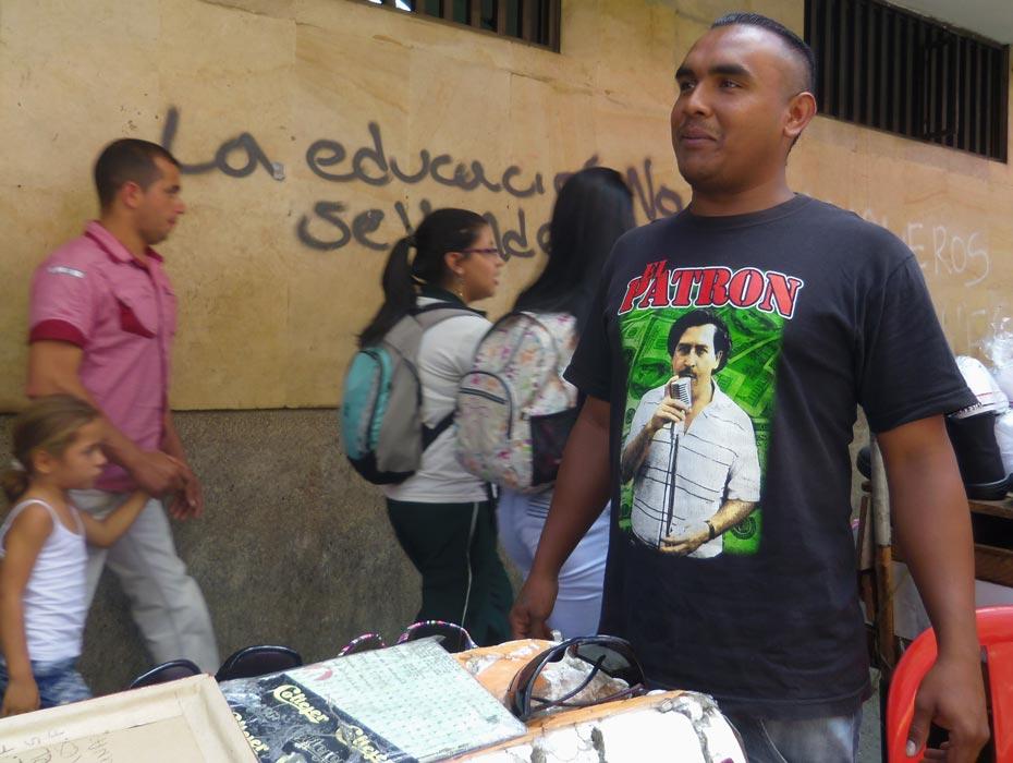 Escobar_SinCredito02_DCHA930