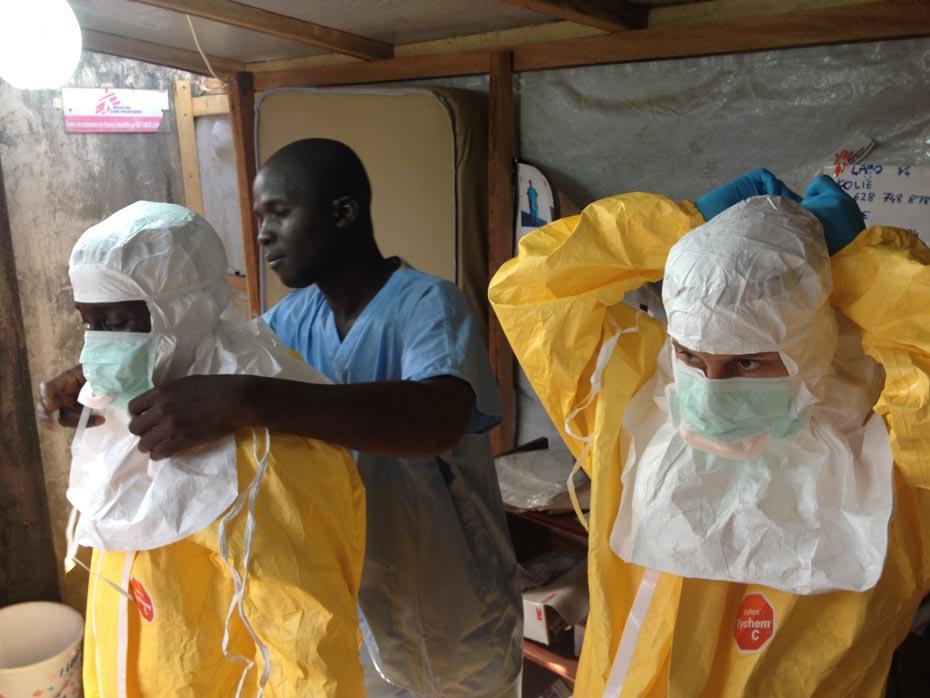 ebola_2_izq