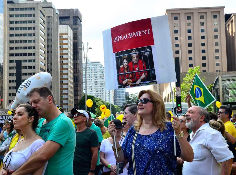 Dilma_Crisis_2_der