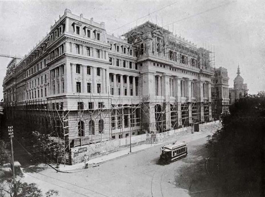Vista del Palacio de Justicia de la República Argentina. Se ve al edificio aún en construcción, alrededor del año 1910.