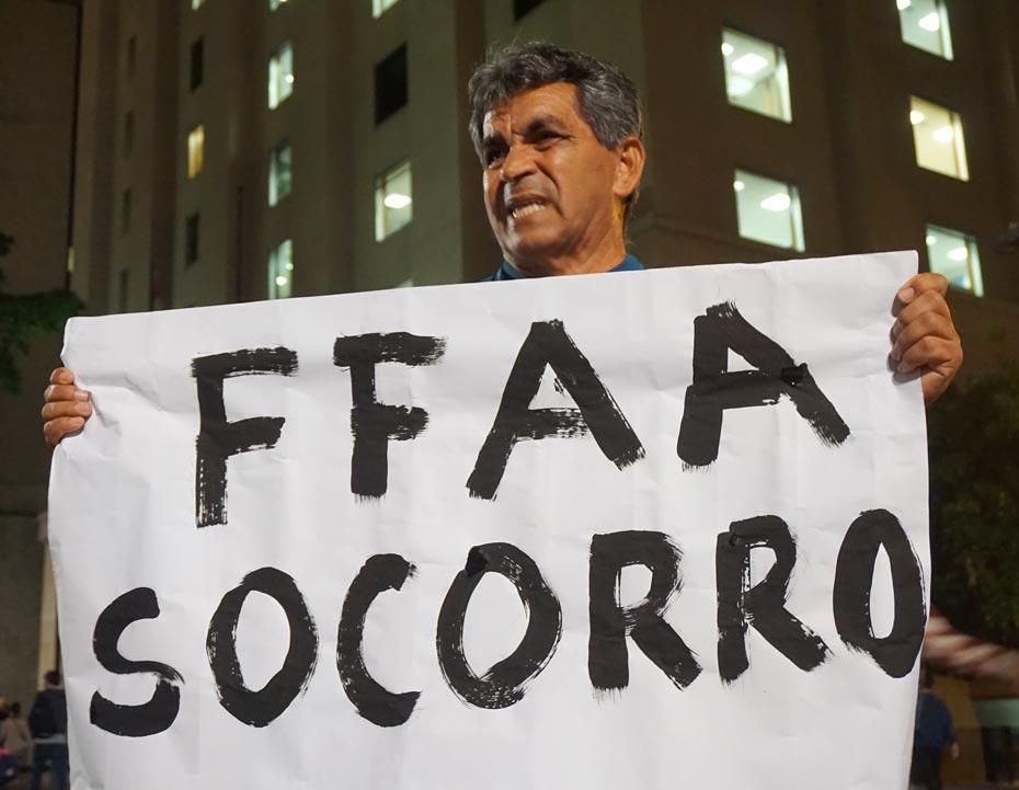 Dilma_fora_1_der