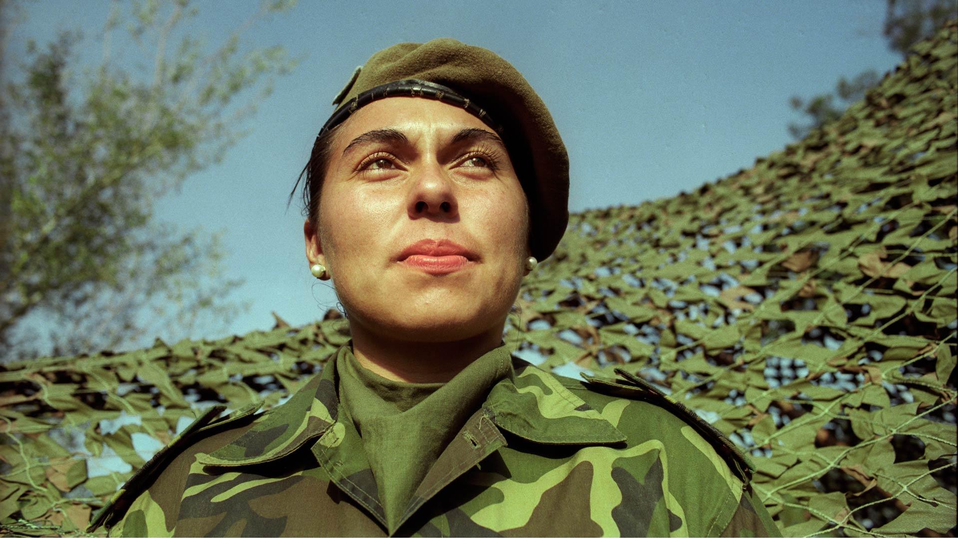 mujeres_fuerzas_armadas_2_caja