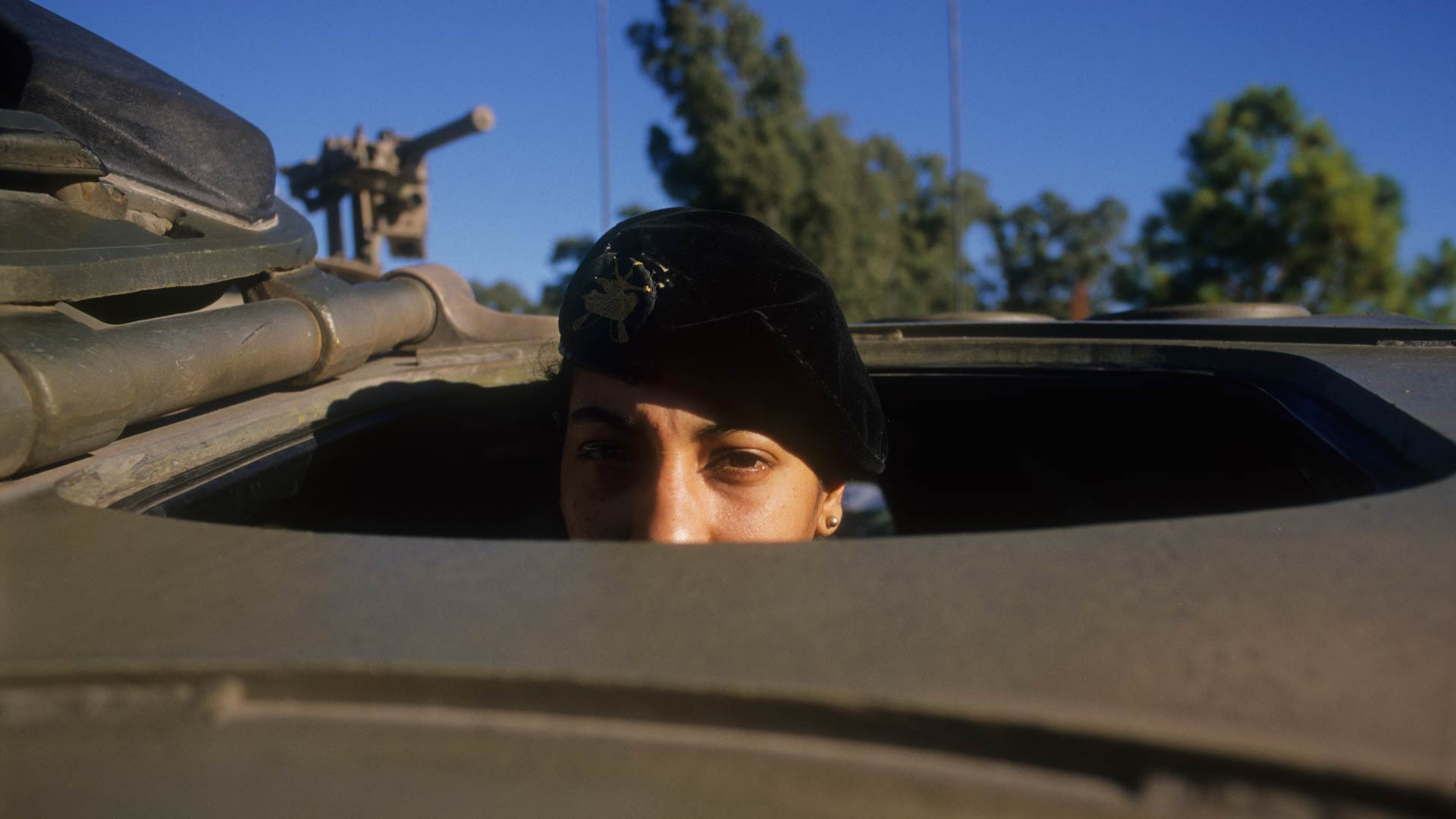mujeres_fuerzas_armadas_3_caja
