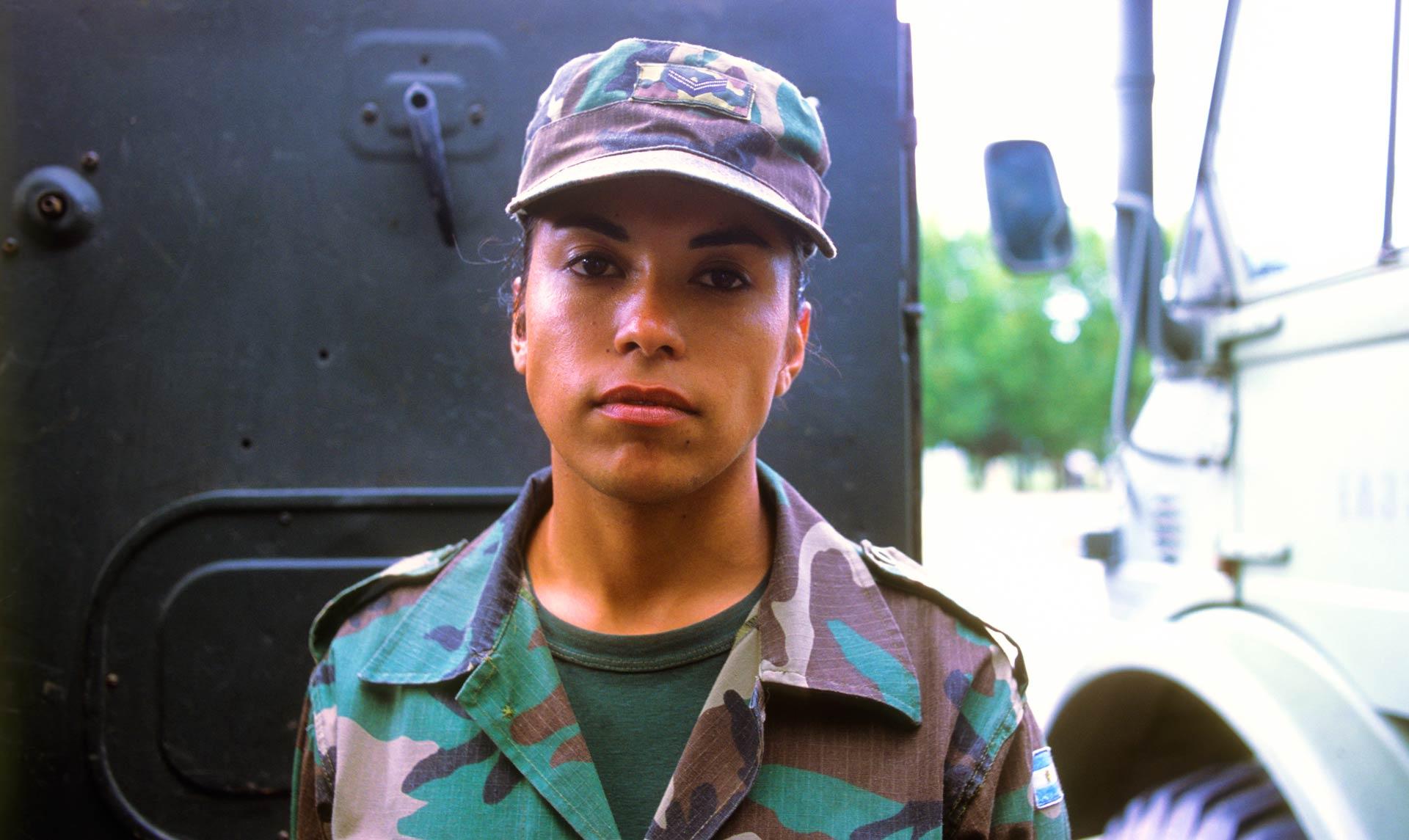 mujeres_fuerzas_armadas_4_caja