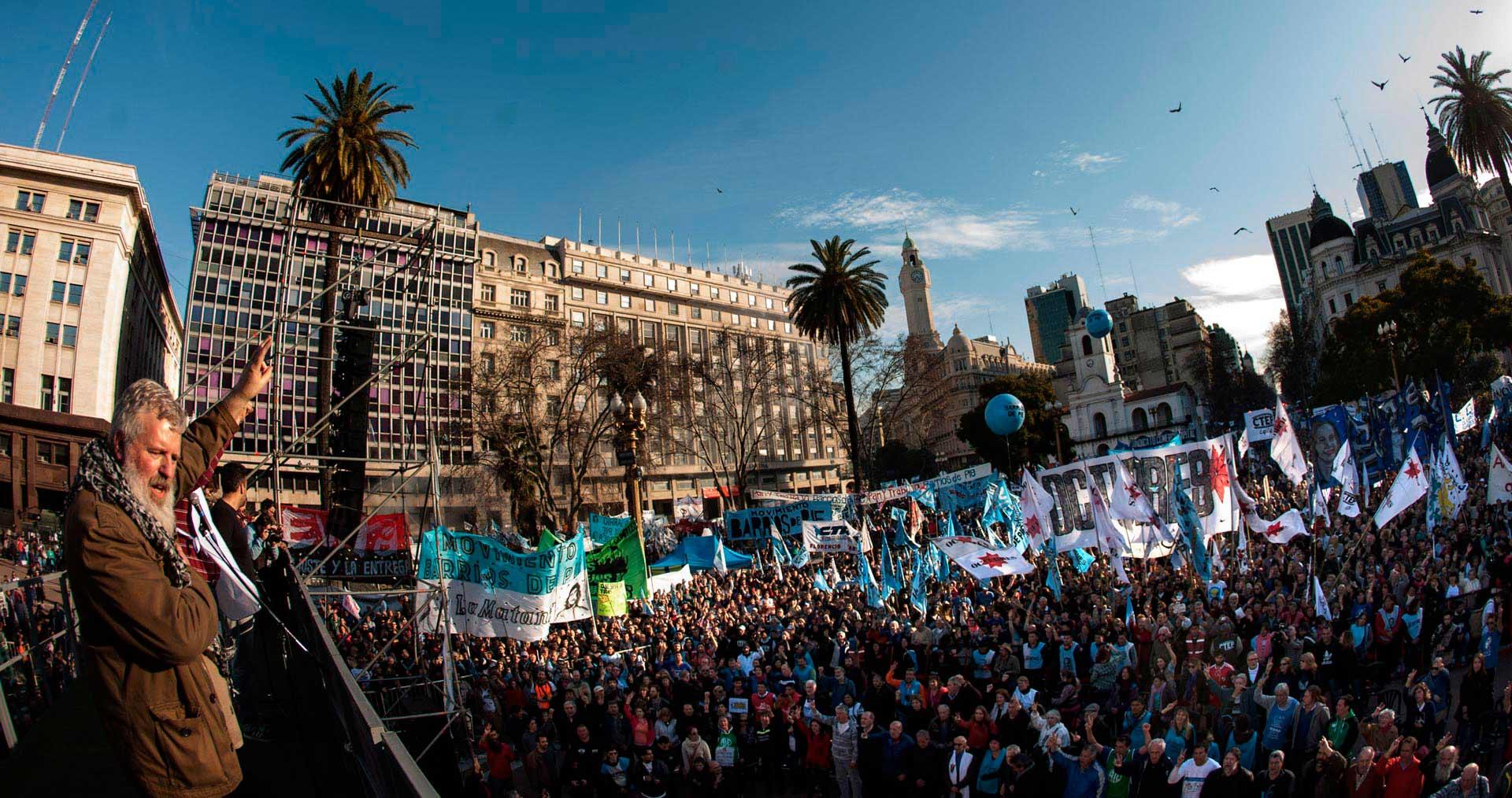 SanCayetano_marcha_2_caja