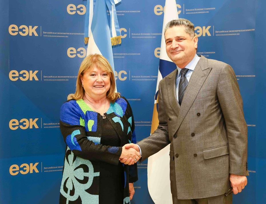 La canciller Susana Malcorra en visita oficial en Rusia junto con funcionarios y empresarios (12/04/16). Foto DYN