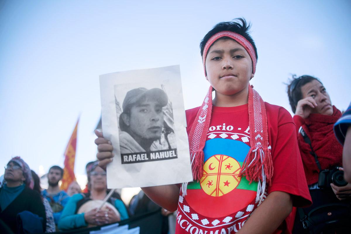 Miles se movilizaron por la muerte de un joven mapuche (Rafael N
