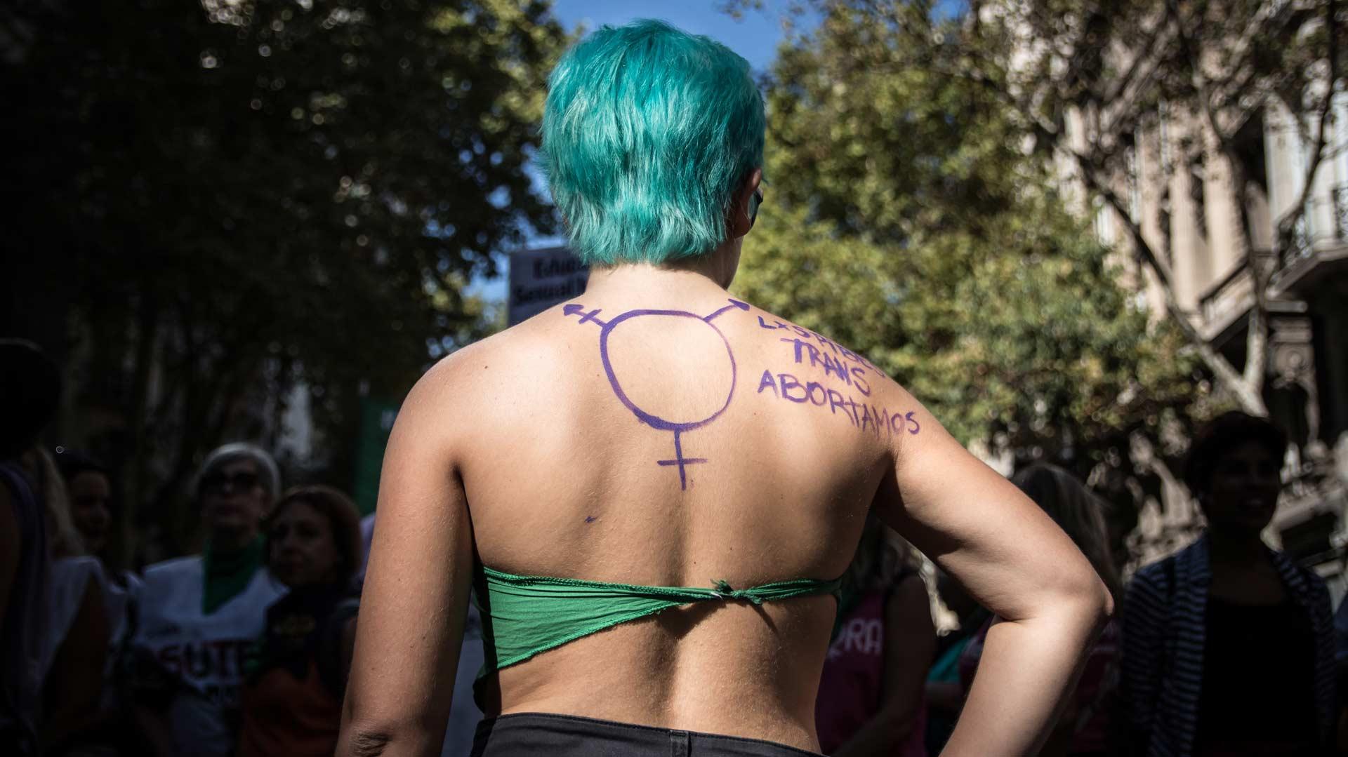 aborto_trans_caja_01